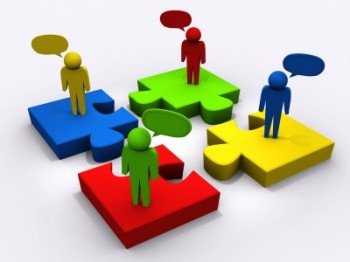 Social Learning - Interaction puts the puzzle pieces together
