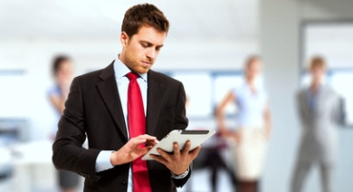 Mobile Learning_Businessman using tablet